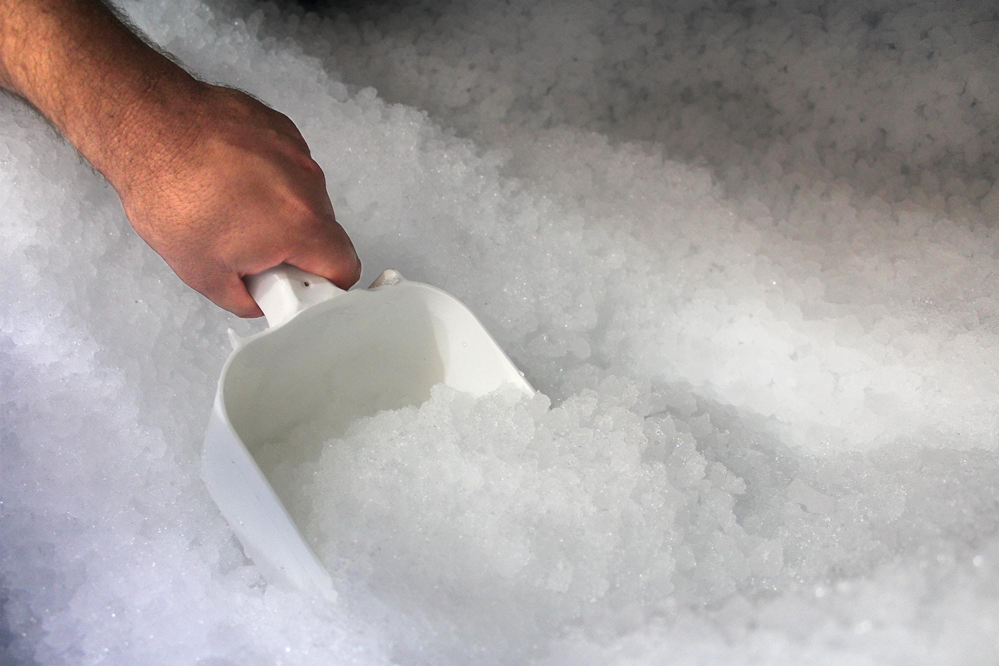 máquina de gelo em flocos