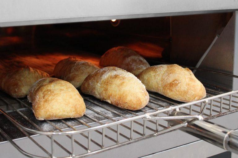 Uso de Equipamentos adequados na produção Profissional de Pães Artesanais